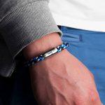 Maritimes Fischers Fritze Armband aus Segeltau, Makrele marineblau stahlblau weiss Angelhaken Gravur angelegt an Handgelenk